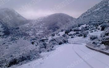 Ο «Βίκτωρ» έφερε χιόνια στην ορεινή Ηλεία