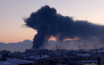 Μεγάλη φωτιά ξέσπασε στο κέντρο των Τρικάλων