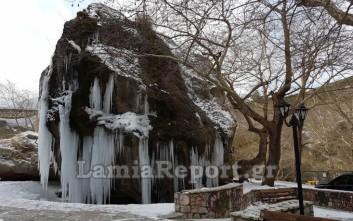 Εικόνες απαράμιλλης ομορφιάς από τον παγωμένο Γοργοπόταμο