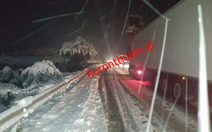 Ταλαιπωρία μέχρι αργά τη νύχτα στην εθνική οδό Πατρών-Κορίνθου
