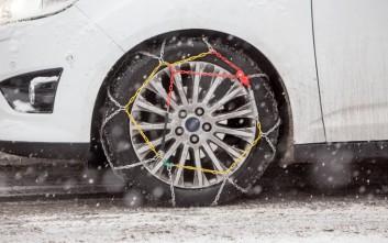 Με αντιολισθητικές αλυσίδες προς το χιονοδρομικό κέντρο Βόρας