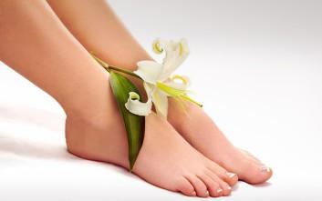 Πώς θα απαλλαγείτε από την κακοσμία των ποδιών