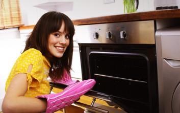 Τι να κάνετε αν δεν φεύγει η μυρωδιά του φαγητού από το σπίτι
