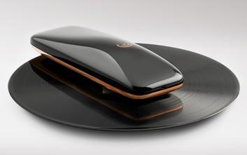 Το πικάπ που τροφοδοτείται από smartphone