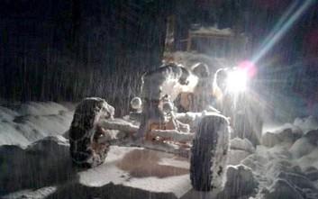 Έφτασε τα δύο μέτρα το χιόνι στα ορεινά των Τρικάλων