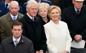 Το θεατρικό «Hillary and Clinton» για τον πρώην πρόεδρο των ΗΠΑ και τη σύζυγό του