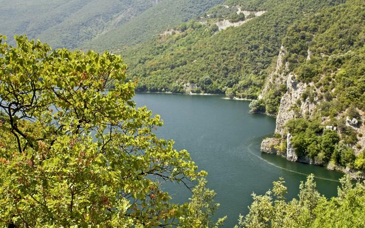 Ο μεγαλύτερος ποταμός της Ελλάδας με πηγές σε ελληνικό έδαφος