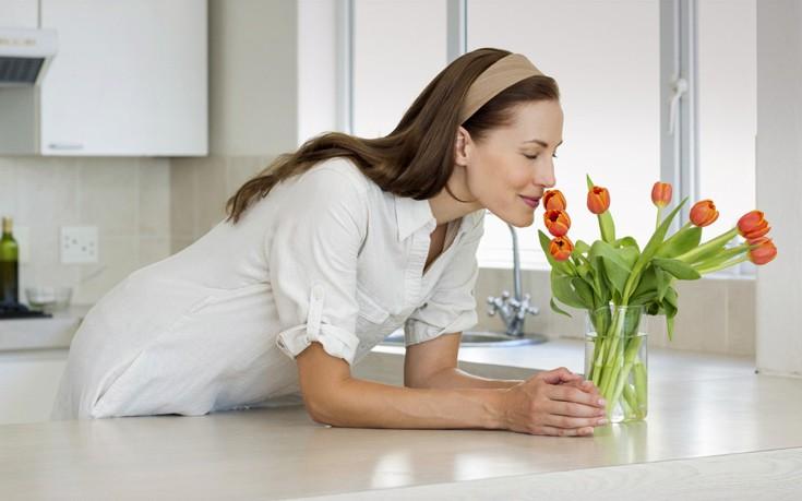 Πώς να διατηρήσετε για περισσότερο καιρό τα λουλούδια στο βάζο