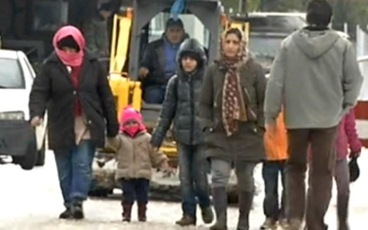 Εικόνες ντροπής σε καταυλισμούς προσφύγων