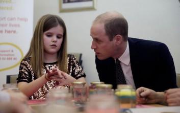 Τα συγκινητικά λόγια του πρίγκιπα Γουίλιαμ στην 9χρονη που έχασε τον μπαμπά της