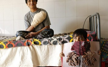 Κοντά στη γιατρειά ο «άνθρωπος δέντρο» στο Μπαγκλαντές