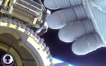 Συνομωσιολόγοι υποστηρίζουν πως η NASA κρύβει την ύπαρξη εξωγήινης ζωής