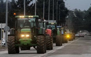 Οι αγρότες ετοιμάζονται να «κόψουν» την Ελλάδα στα δύο