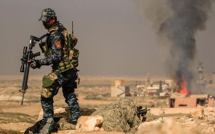 Στενεύει ο κλοιός για το ISIS