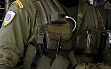 Λάθος συναγερμός για την κάμερα αστυνομικού που αποδείχτηκε φορτιστής