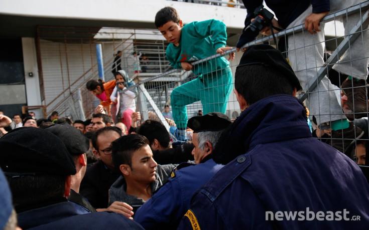 Επέμβαση της αστυνομίας για να ανοίξει η πόρτα στο Ελληνικό