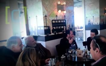 Μπαλάφας σε πολίτη στη Σάμο: Πίνω καφέ, άντε πάενε από δω