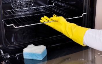 Πώς θα καθαρίσετε τον φούρνο αποτελεσματικά