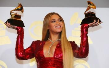 Η Beyonce μας συστήνει τα δίδυμά της