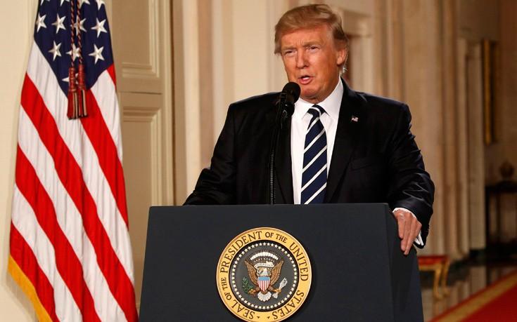 Ο Τραμπ υπενθυμίζει στους Ευρωπαίους τις υποχρεώσεις του απέναντι στο ΝΑΤΟ