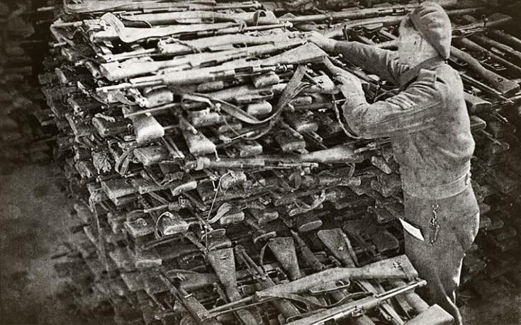 Το κρυμμένο οπλοστάσιο του ΕΑΜ και το τέχνασμα που ξεγέλασε τους Βρετανούς