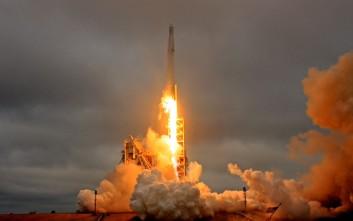 Δείτε την εντυπωσιακή εκτόξευση του πυραύλου Falcon 9