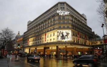 Η Galeries Lafayette έδιωξε πελάτισσα με καρκίνο από κατάστημα