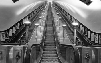 Πώς κινούνται οι κυλιόμενες σκάλες;