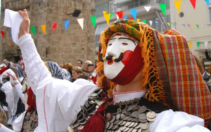 Αποτέλεσμα εικόνας για ναουσα καρναβάλι  18-19 Φεβρουαρίου: Διήμερη εκδρομή στο  καρναβάλι της Νάουσας kentirki apokrianaoussa 8 edited