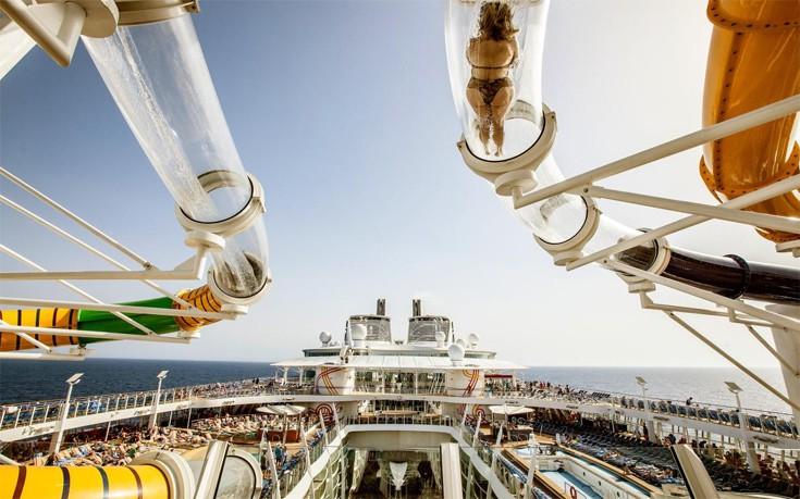Στο εσωτερικό του μεγαλύτερου κρουαζιερόπλοιου στον κόσμο