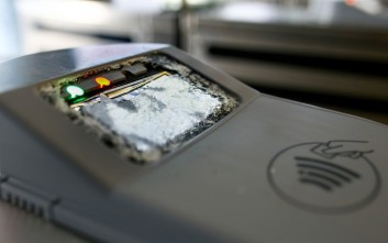 Πόσο κοστίζει ο βανδαλισμός των ακυρωτικών μηχανημάτων του ηλεκτρονικού εισιτηρίου
