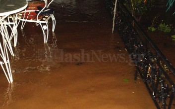 Πλημμύρισαν ξανά σπίτια στη Σούδα Χανίων