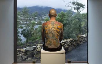 Ο άνθρωπος-καμβάς που πούλησε την πλάτη του σε έναν έμπορο τέχνης