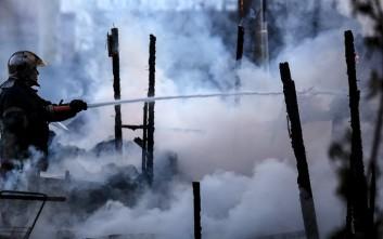 Φωτιά στις αποθήκες των Jumbo στον Πειραιά