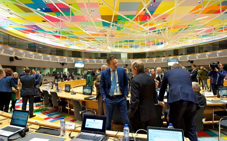 H Γαλλία κινητοποιείται για λύση στο Eurogroup