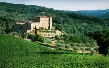 Οινογνωσία σε ατμοσφαιρικό κάστρο της Τοσκάνης