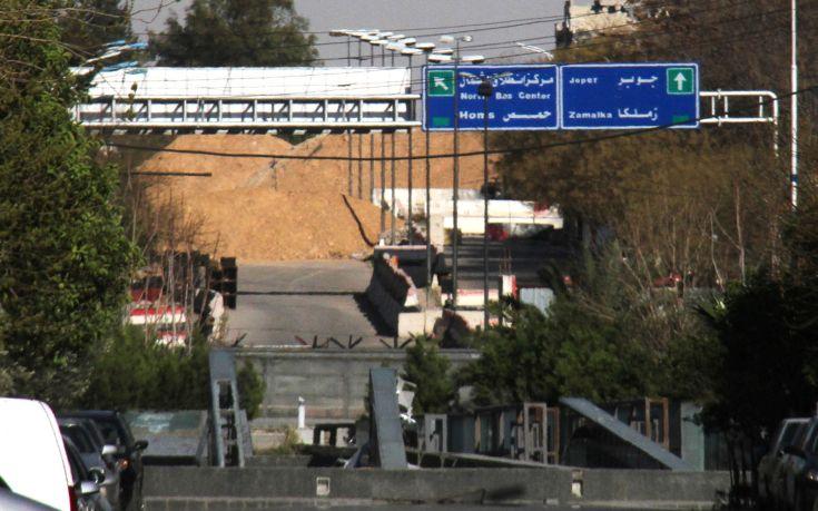 Σφοδροί αεροπορικοί βομβαρδισμοί στη Δαμασκό