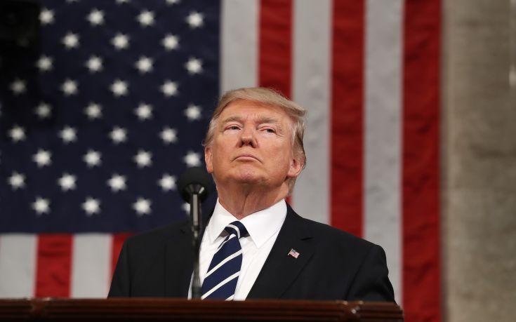Τραμπ: Δεν ζήτησα ποτέ να τερματίσει η έρευνα για τις σχέσεις με τη Ρωσία