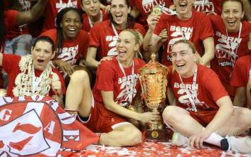 Θρυλικά κορίτσια σήκωσαν το κύπελο στο μπάσκετ