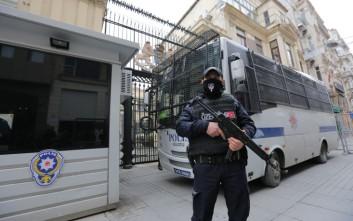 Αποκλείσθηκε η ολλανδική πρεσβεία και το προξενείο στην Άγκυρα