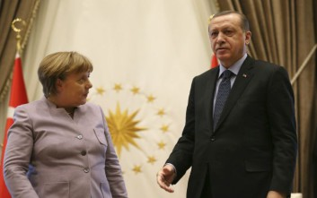 «Δεν αποκαλύπτουμε τις συνομιλίες της Μέρκελ με τον Ερντογάν για τους Έλληνες στρατιωτικούς»