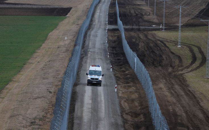 2017-03-02T171213Z_1614010107_RC1D3B99C190_RTRMADP_3_EUROPE-MIGRANTS-HUNGARY-FENCE