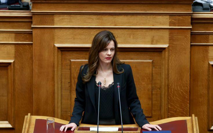 Μέτρα για τη «μαύρη» εργασία ζητούν 33 βουλευτές του ΣΥΡΙΖΑ