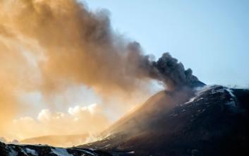 Έκρηξη στο ηφαίστειο της Αίτνας, οι αρχές έκλεισαν το αεροδρόμιο