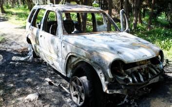 Γεμιστήρας από καλάσνικοφ στο καμένο όχημα της απαγωγής του επιχειρηματία