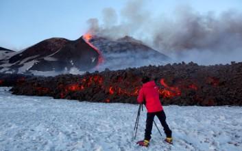Δέκα τουρίστες τραυματίστηκαν από έκρηξη στο ηφαίστειο της Αίτνας