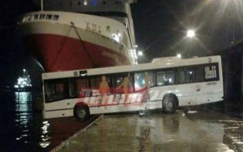 Στον αέρα το μπροστινό μέρος λεωφορείου στην Πάτρα