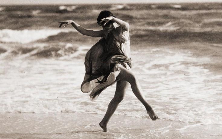 Λάτρεψε την Ελλάδα, «έχασε» τα παιδιά της και πνίγηκε από το φουλάρι της