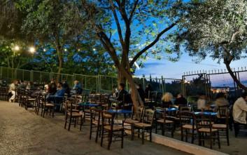 Τα θρυλικά cafe της Αθήνας που συνεχίζουν να γράφουν ιστορία