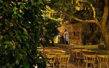 Aυτή είναι η νέα και πολυσυζητημένη «πιάτσα» της Αθήνας